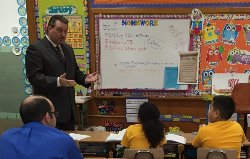 State Senator Joseph Addabbo speaks to students at the Gate of Heaven School.